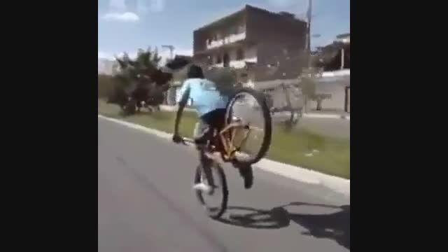 چه دوچرخه سواری بدی داره !
