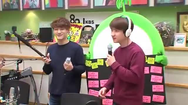 رقص دی.او و چن  exo  با اهنگ  ice cream cake red velvet