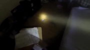 مامور آتش نشانی جان گربه را نجات میدهد