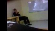 معلم روانی تخته سفید درس میده