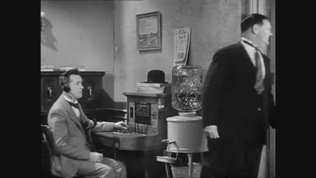 فیلم کمدی کوتاه Twice Two ازسری فیلم های لورل و هاردی