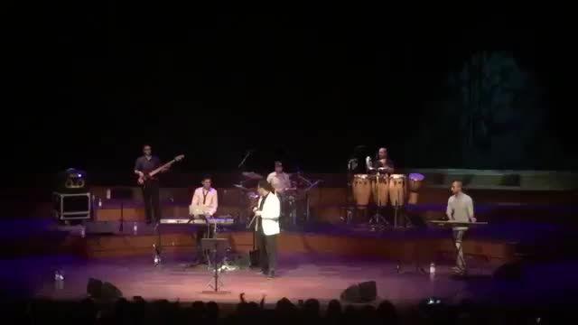 کنسرت احسان خواجه امیری- هلند 2015 - آهنگ نمیدونم