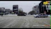 حمل تریلی با تانک در داخل شهر
