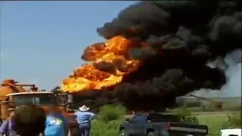 انفجار مخازن نفتی