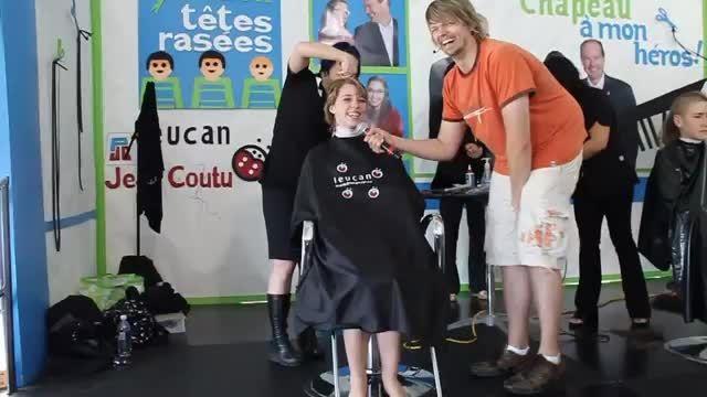 اهدای مو سر بخاطر کودکان سرطانی 4