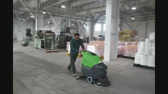 اسکرابر صنعتی کابلی - زمینشور برقی در محیط صنعتی