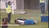 انفجار ترقه در صورت فوتبالیست