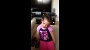 دختر بچه پررو