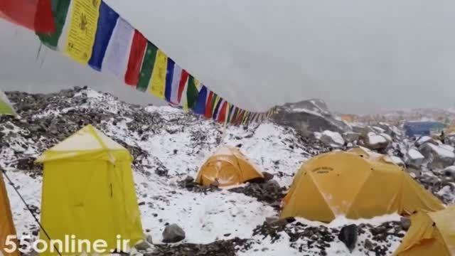 لحظات هولناک سقوط بهمن در زلزله نپال