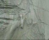 صعود حرفه ای ماشین از تپه با شیب تند