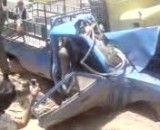تصادف واقعا وحشتناک(راننده تو ماشینه هنوز)
