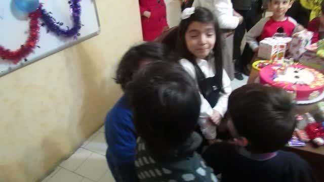 آموزشگاه زبان پردیسان با تولد زبان آموزان مرکز نارمک