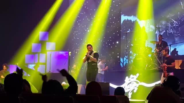 اجرای آهنگ ای دل،دوست دارم کنسرت25اردیبهشت بابک جهانبخش