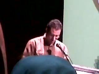 شعرخوانی عباس صادقی در شب شعر شکرخند