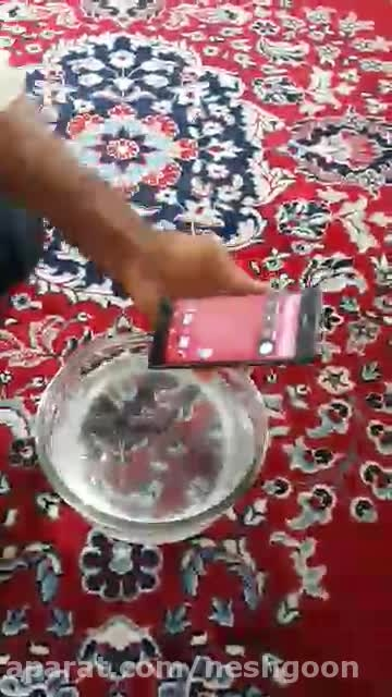 عملکرد گوشی z3 در زیر آب گوشی ضد آب تست گوشی در زیر آب