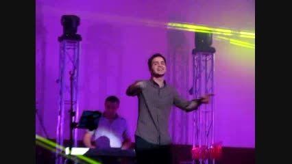 اجرای آهنگ دوست دارم از محسن یگانه در کنسرت بوشهر