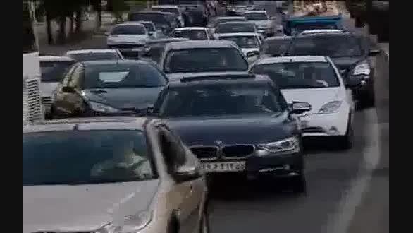 ماجرای جنجالی دور دور ماشین های گران قیمت و برخورد شدید