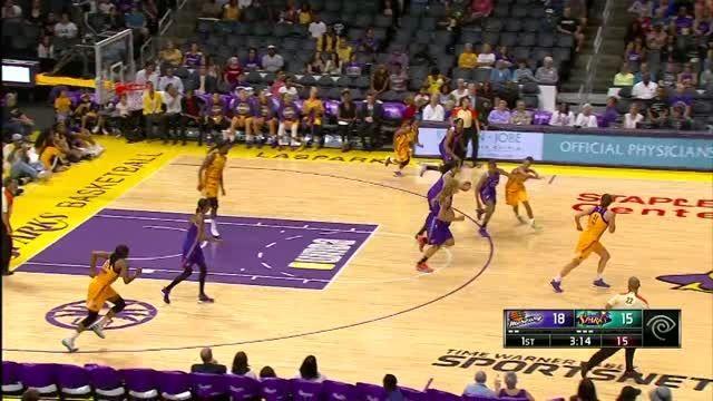 اسلم دانک زیبا در بسکتبال زنان WNBA