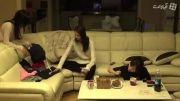 تیفانی،یونا،سانی در حال خوردن مرغ