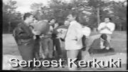 ناسر ره زازی و نه جمه دین غلامی له شاری سنه 1980