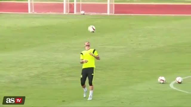 حرکات دیدنی سرجیو راموس در تمرینات تیم ملی اسپانیا