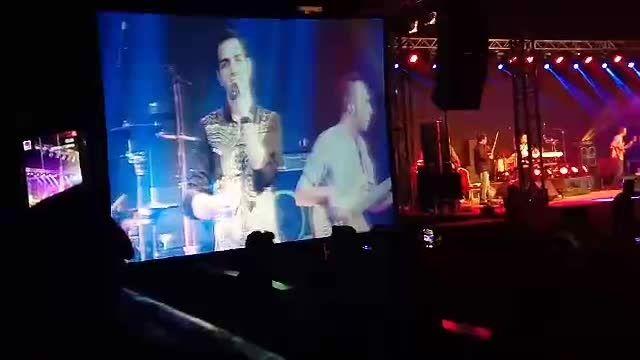 اجرای آهنگ چقدر دیر از محسن یگانه در دبی
