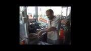 فیلم/ جذب مشتری با استکان و نعلبکی