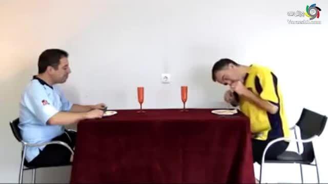 بازیکنان فوتبال چگونه غذا می خورند