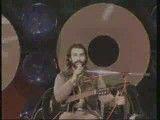 اجرای فوقالعاده زنده یاد ناصر عبداللهی در دبی _ یمبو صحنه