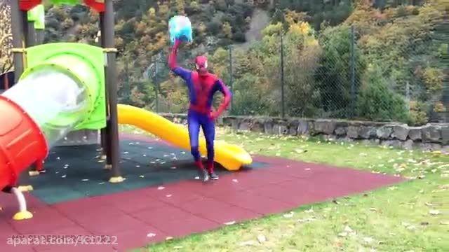 Spiderman vs Venom vs Captain America