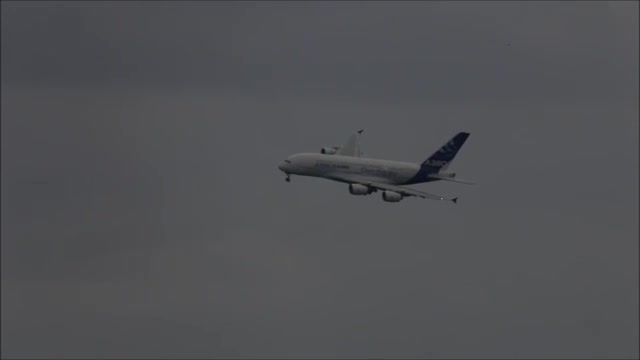 فرود ایرباس A380 در شرایط باد جانبی شدید