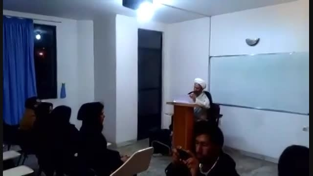 کلیپ جالب آواز خوانی دانشجو سر کلاس