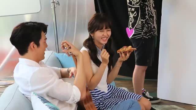 Kim Woobin  Kim Sohyun @ Domino's Pizza TVCF NG 2