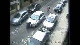 گردش در شهر روی كاپوت اتومبیل