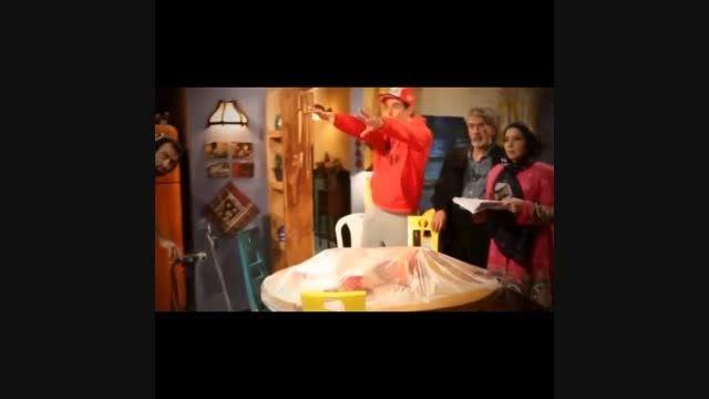 محمدرضا گلزار در پشت صحنه عشق تعطیل نیست -پارت 1