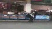 موتورسوار حرفه ای / حركات نمایشی با موتور / تك چرخ زدن