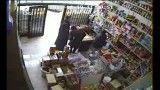 دزدی پیرزن 100 ساله از خواربار فروشی فوق العادست