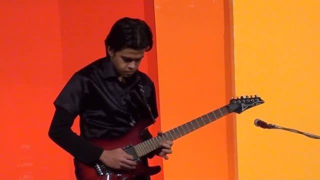 اجرای زنده پدر خوانده با گیتار الکتریک