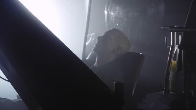 پشت صحنه موزیک ویدیو The Monster