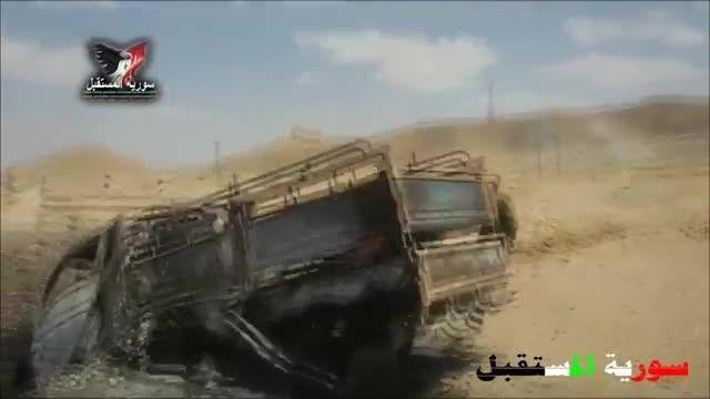 تدمر - اجساد صدها داعشی زیر پای سربازان ارتش سوریه