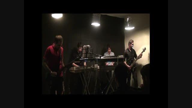 اجرای زنده آهنگ آینه از گروه سیزیف