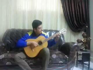 گیتار(اهنگ خوش حال و شاد و خندانم)