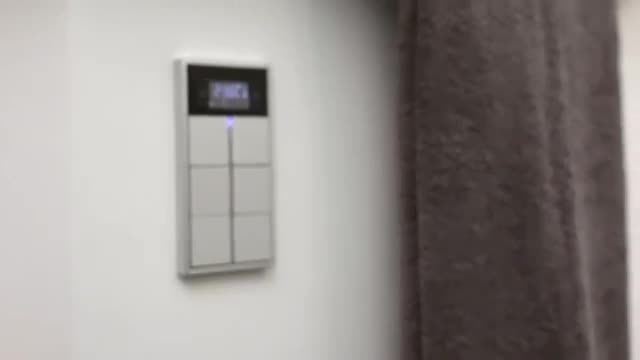 خانه هوشمند JUNG – کنترل اتاق هوشمند KNX