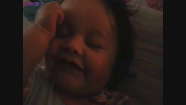 لبخند کودکان در خواب.بچه نوزاد فیلم کلیپ گلچین صفاسا