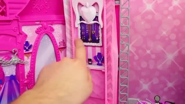 تبلیغ باربی در راک رویال عروسک