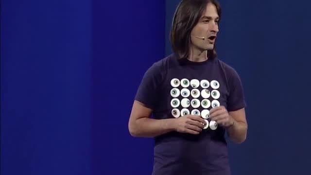 نمایش استفاده از اپلیکیشن های ویندوز 10 با هالو لنز