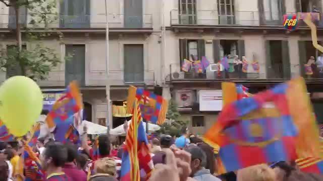 صحنه های ویژه از جشن قهرمانی بارسلونا در سطح شهر