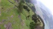 پرواز هواپیما در فاصله باور نکردنی از کوه