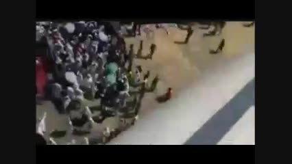 هجوم حجاج به طرف درب های بسته لحظاتی قبل از وقوع حادثه