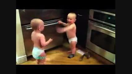 حرف زدن خنده دار دو بچه
